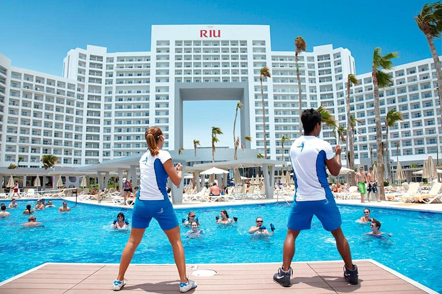 Riu pool exercise